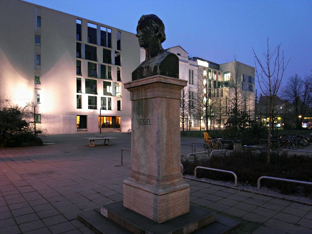 Hegelplatz 1