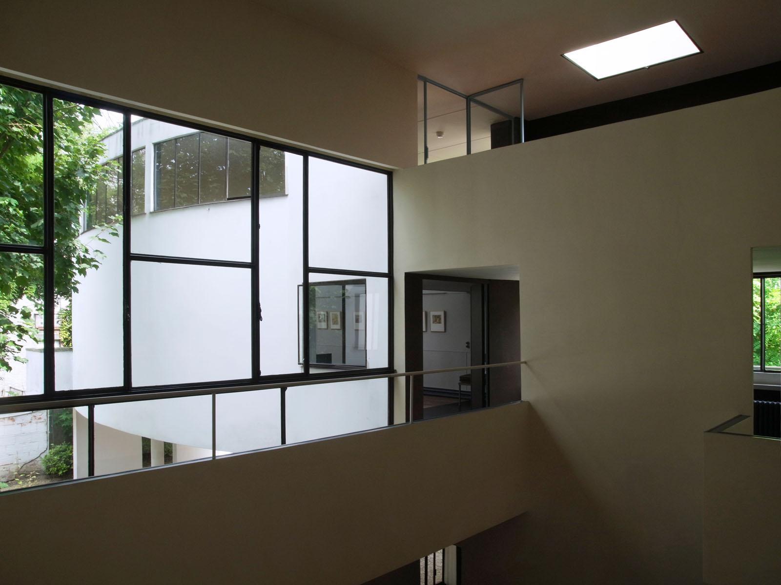 jlggbblog3 le corbusier la maison la roche. Black Bedroom Furniture Sets. Home Design Ideas