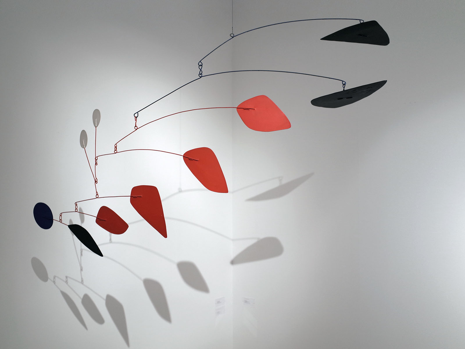 calder black and blue 1975