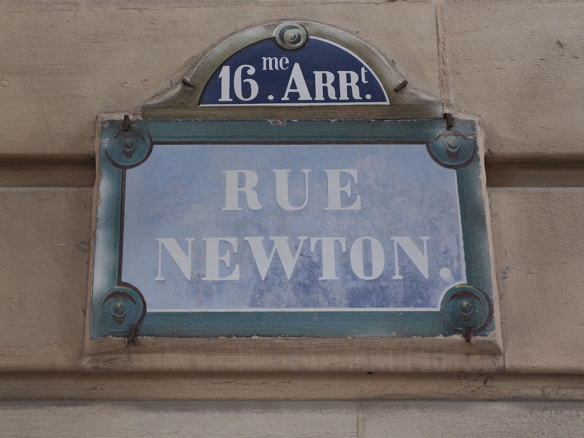 newton-rue