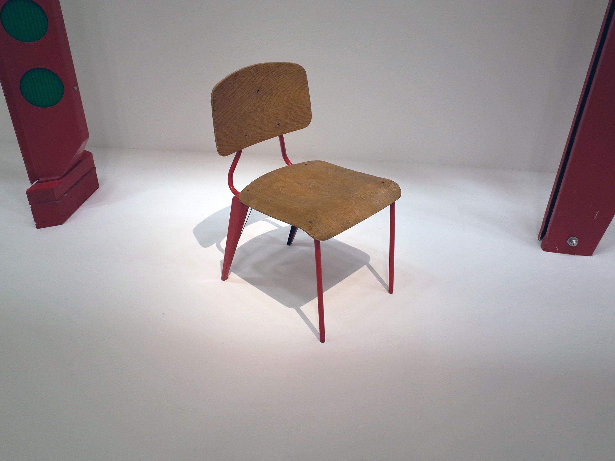 prouve chaise maternelle 2015