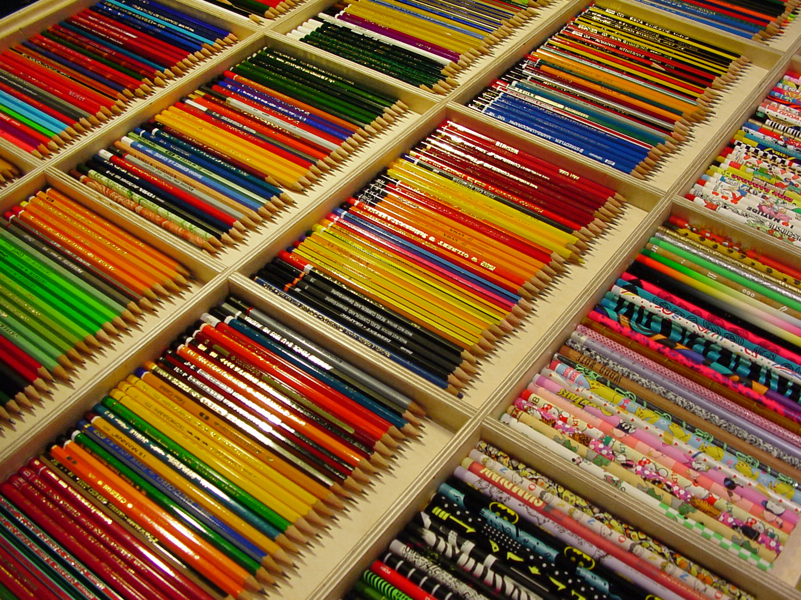 mdc-2001-crayons-01-1600