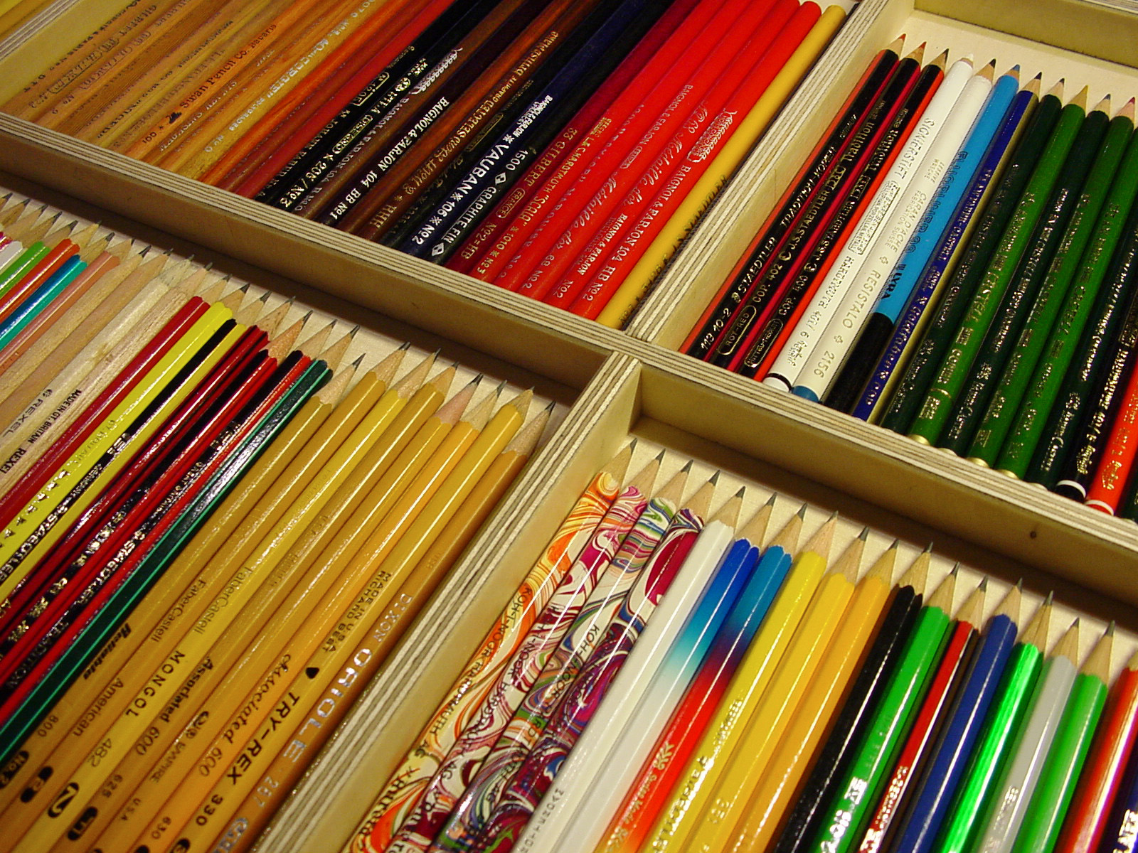 mdc-2001-crayons-05-1600