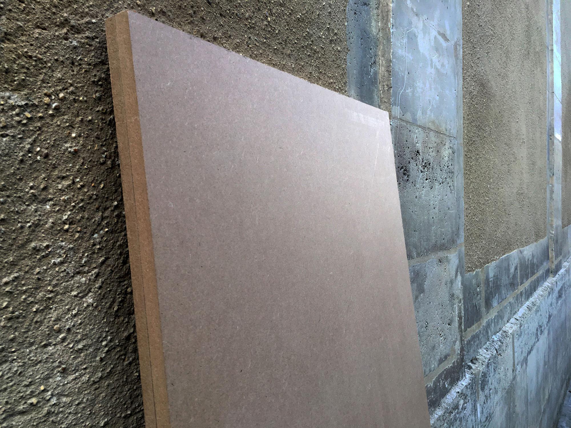La Plinthe Du Mur la vie des objets · mur